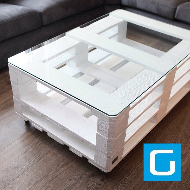 Fancy - White pallet table Like our Facebook page! https://www.facebook.com/pages/Rustic-Farmhouse-Decor/636679889706127