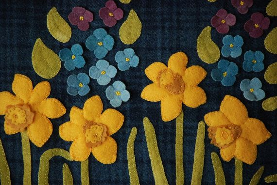 Wool applique pattern spring daffodils by horseandbuggycountry