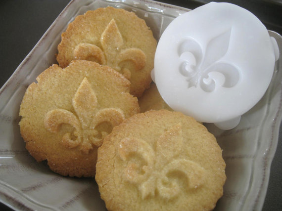 Hey, I found this really awesome Etsy listing at https://www.etsy.com/listing/108650737/fleur-de-lis-cookie-stamp-recipe-and