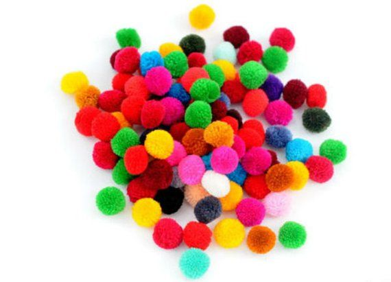 50 CRAFT POMS MULTI COLOURED FLUFFY MIXED POMPOMS BALLS VARIOUS SIZES CRAFTS