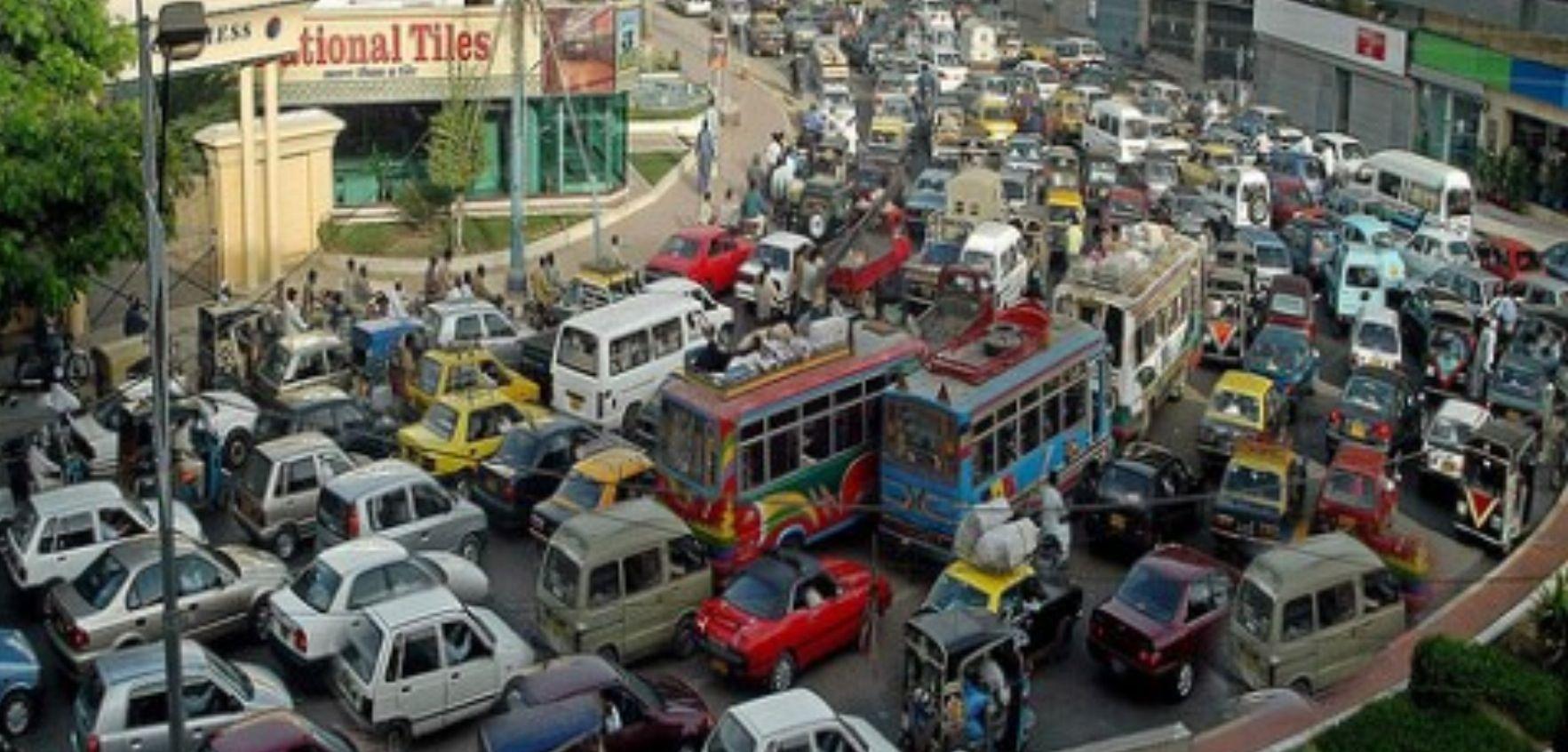 Karachi Typical Traffic Problems