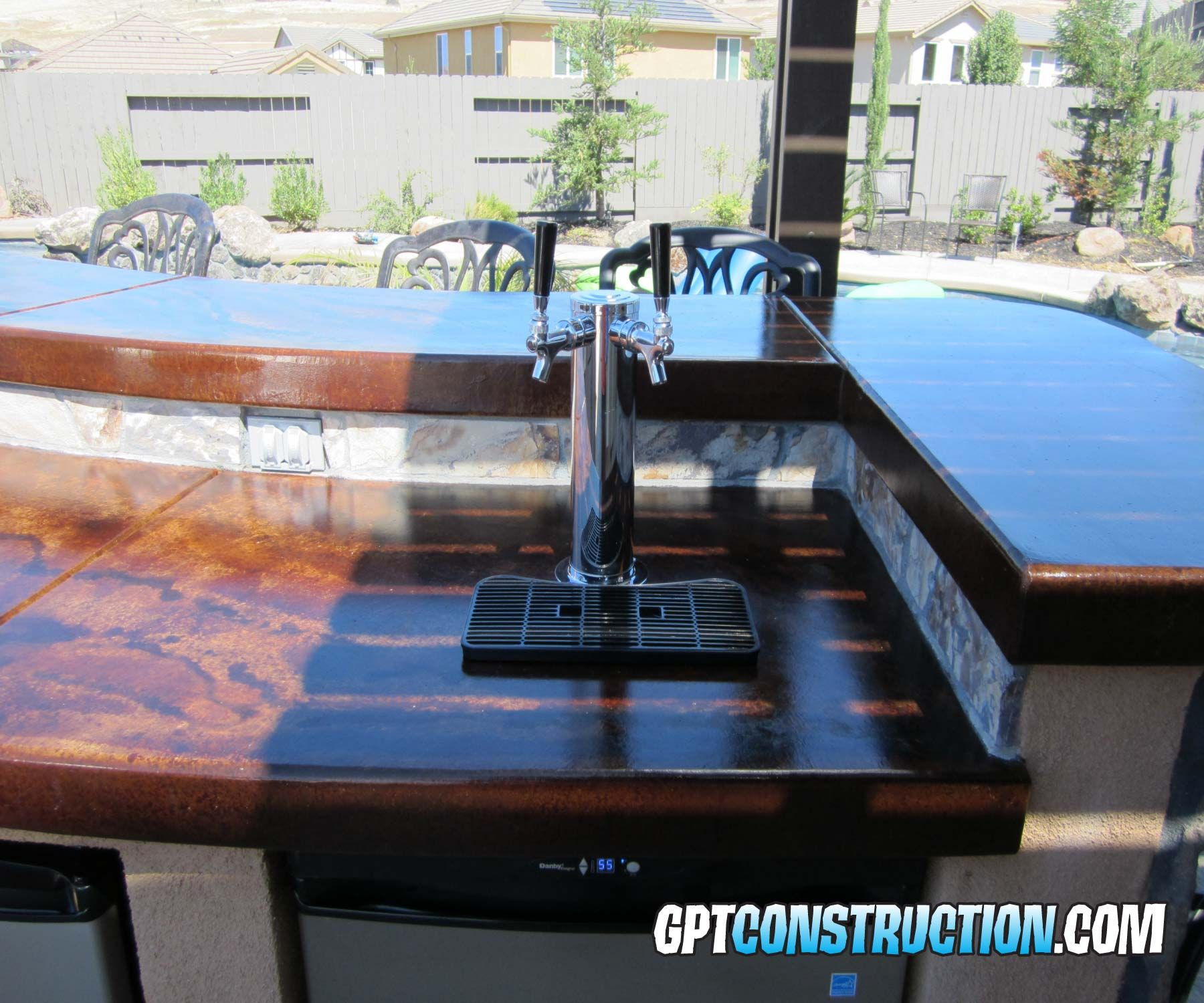 Outdoor Kitchen With Kegerator : Outdoor kitchen bbq island with dual tap kegerator gpt