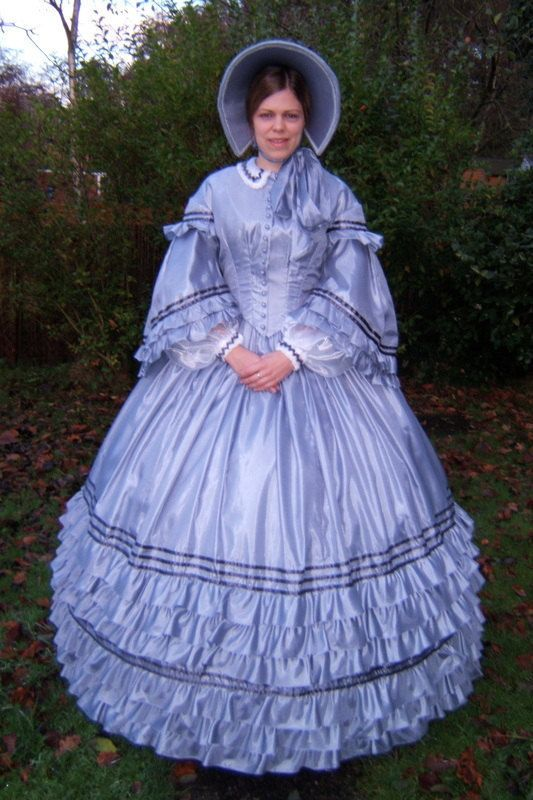 Blue-grey Victorian 1860s American Civil War day dress gown ...