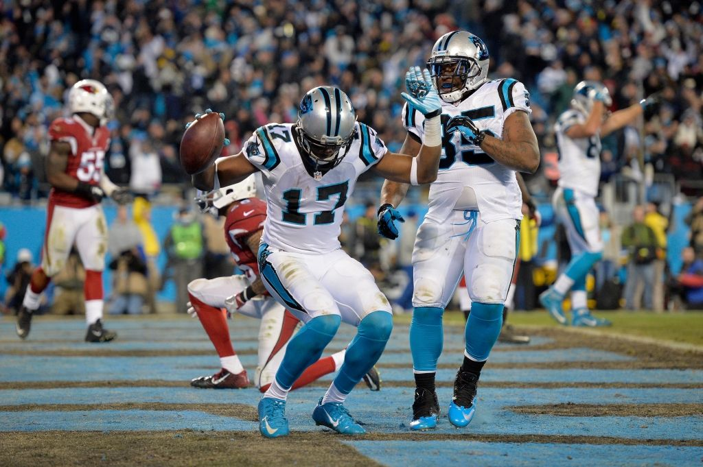 Panthers LB Davis breaks arm, hopes to play in Super Bowl