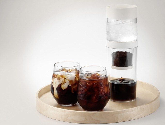 A traveling ice-drip coffee tumblr that brews iced coffee and cold brew.
