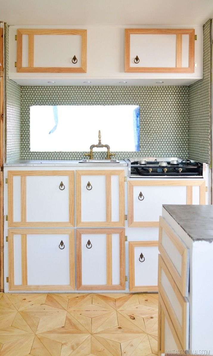 13 Kitchen Cabinets Ideas For Tiny Houses Small Kitchen Guides In 2020 Tiny House Kitchen House Design Kitchen Tiny House Appliances