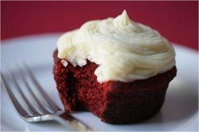 Magnolia Bakery's Red Velvet Cupcakes #magnoliatarifleri