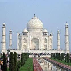 Oferta de viaje a India  Paso por India  9 días - 8 noches  Circuito de 9 días por la India visitando Delhi, Samode, Jaipur, Abhaneri, Fahtehpur Sikri, Agra, Bateshwar y Varanasi. http://www.belydanaviajes.es/oferta/viaje/india/32147/paso_por_india
