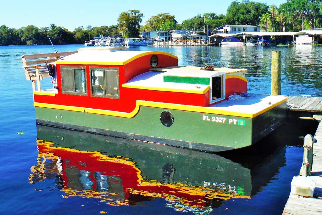 Pin By Gwen Swanson On Best Of Airbnb Shanty Boat