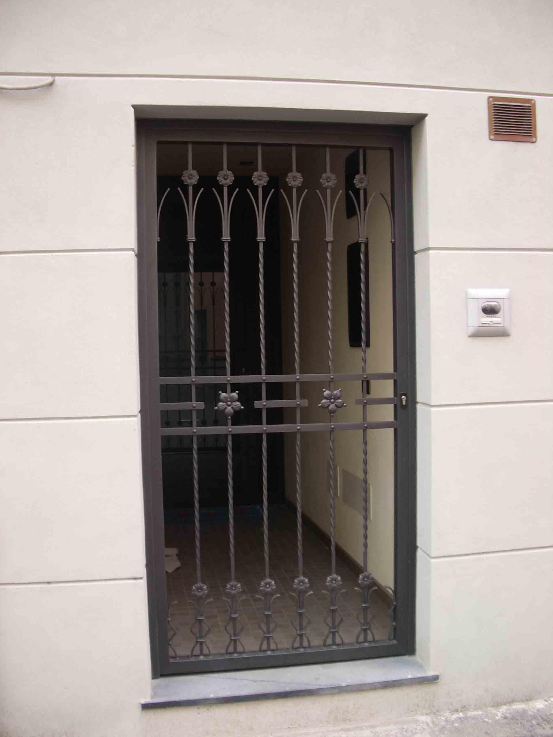 Immagine correlata porta finestre pinterest - Inferriata porta ...