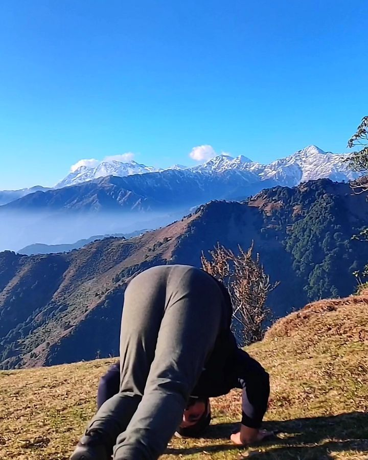BEST YOGA PANTS FOR WOMEN FOR 2020  #yoga #fitness #meditation #yogalife #yogainspiration #yogapract...