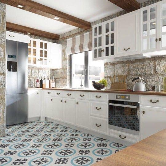 Con pared de piedra y baldosas hidr ulicas esta cocina for Baldosas vinilicas cocina