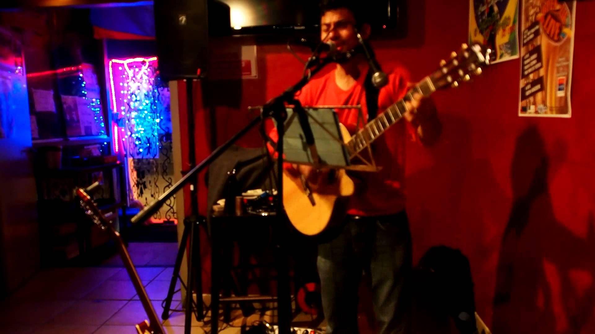 Canta por Chippilin  by Jano Arias en la Casa Latina (Bordeaux 16-03-2014)