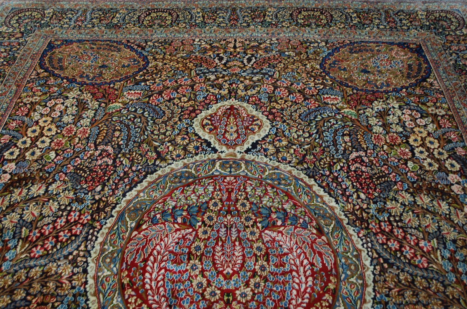Truly qualifies as a Magic carpet... Breathtakingly beautiful hand ...