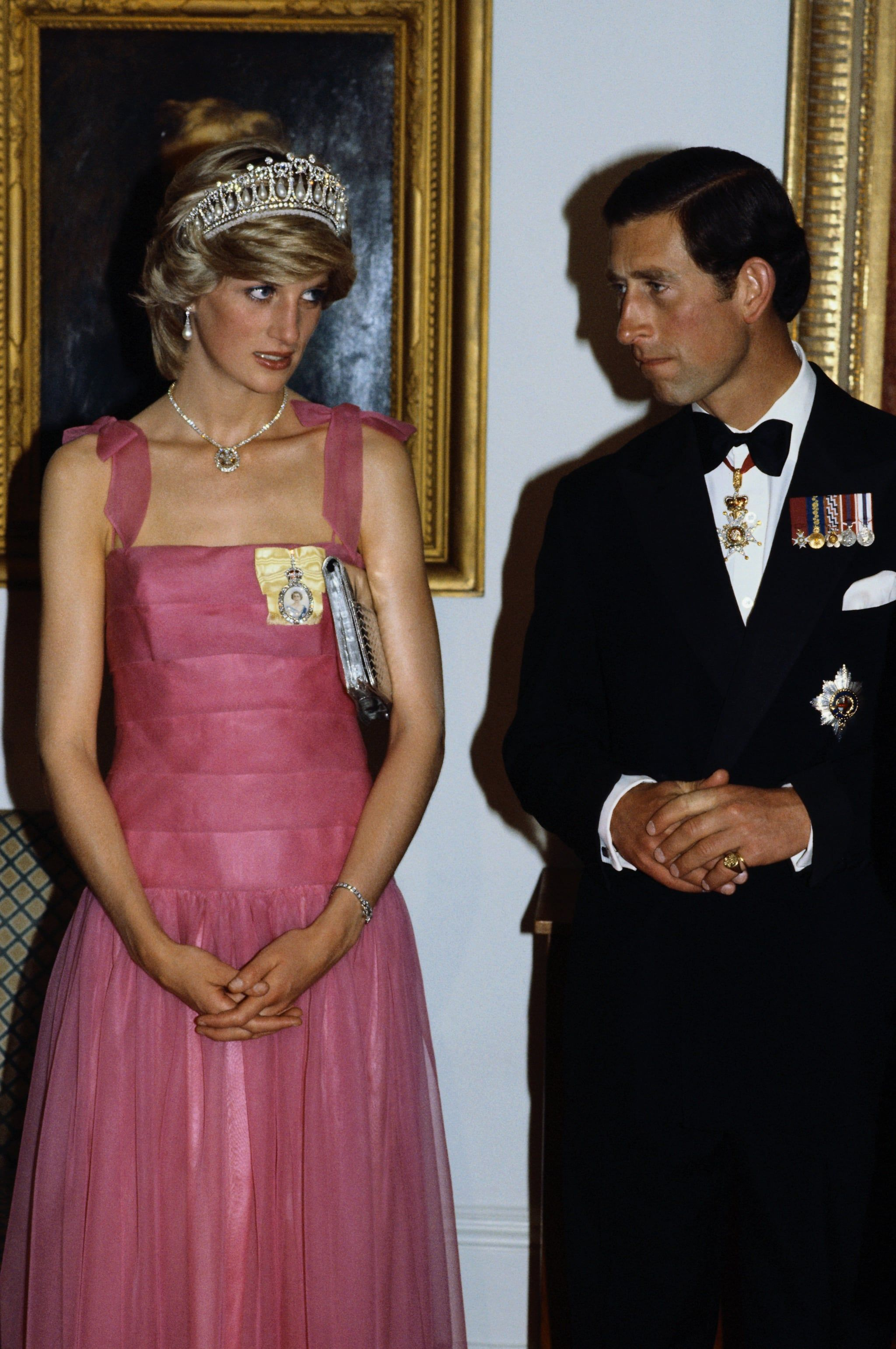 44 snaps of prince charles and princess diana you might not have seen before princess diana fashion princess diana princes diana prince charles and princess diana