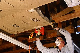 How To Install Kraft Faced Fiberglass Insulation In A Garage Ceiling With Roof Trusses Garage Ceiling Insulation Garage Insulation Fiberglass Insulation