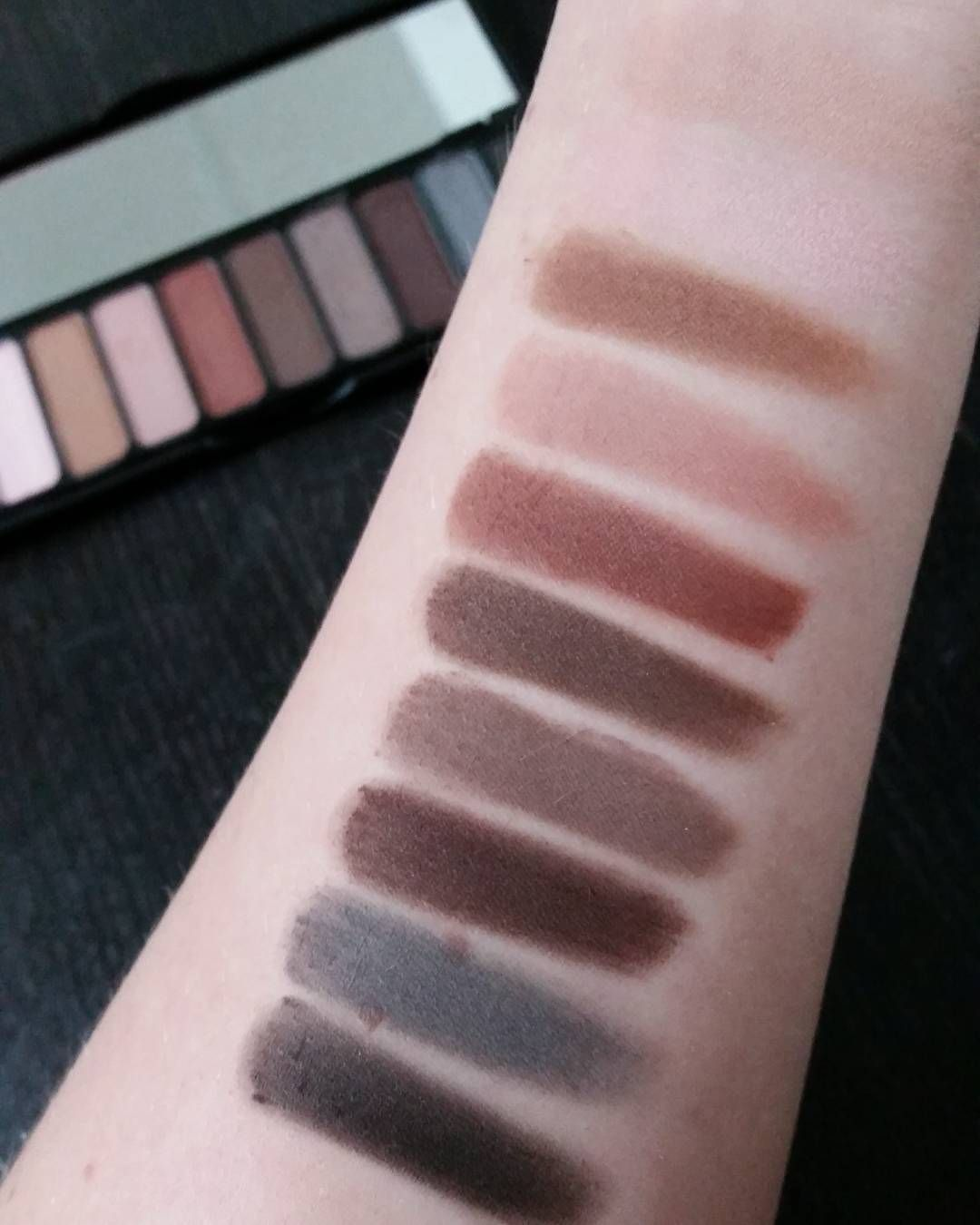 Swatches of the ELF cosmetics Mad for Matte eyeshadow palette! 10 all matte shades with perfect colors for fall and winter