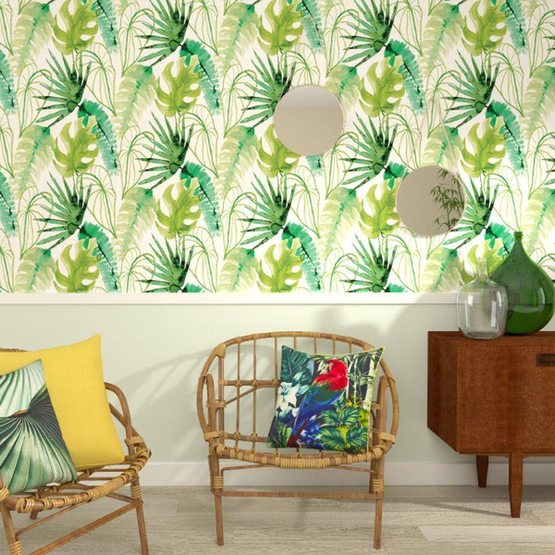 les motifs feuilles et palmiers de ce papier peint s inscrivent dans la tendance tropicale du. Black Bedroom Furniture Sets. Home Design Ideas