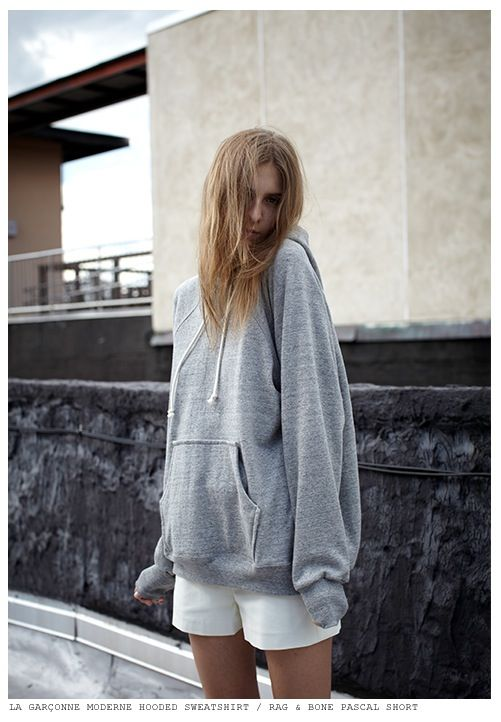This is what I am talking about! An oversized sweatshirt!!!