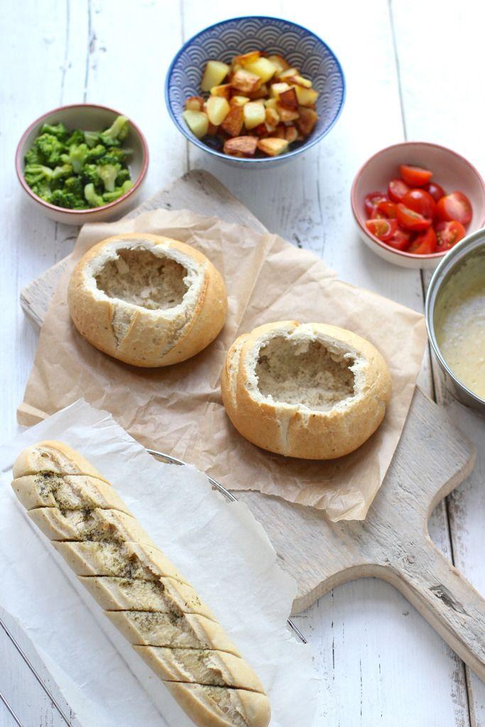 Kaasfondue In Een Broodje Lekker En Simpel Kaasfondue Voedsel Ideeen Kerst Maaltijden