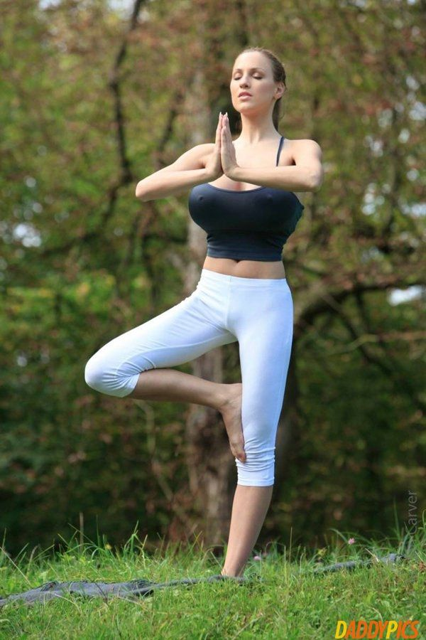 Morning yoga hot girls Pin On Daddypics