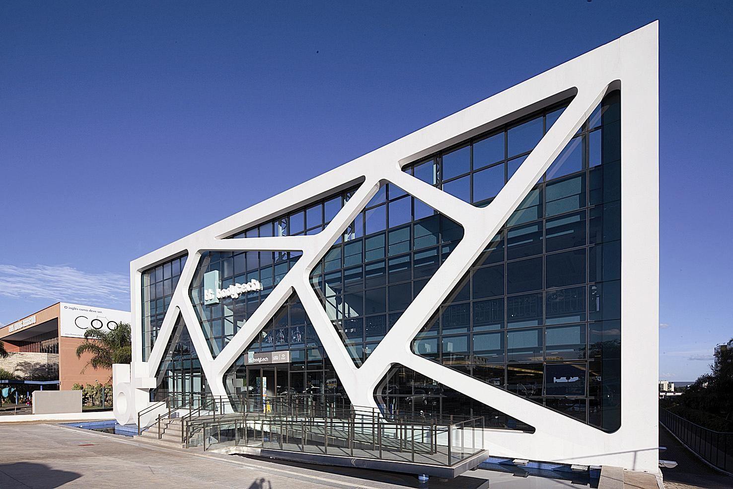 Farias denton arquitetura e design academia bras lia for Gimnasio quatro