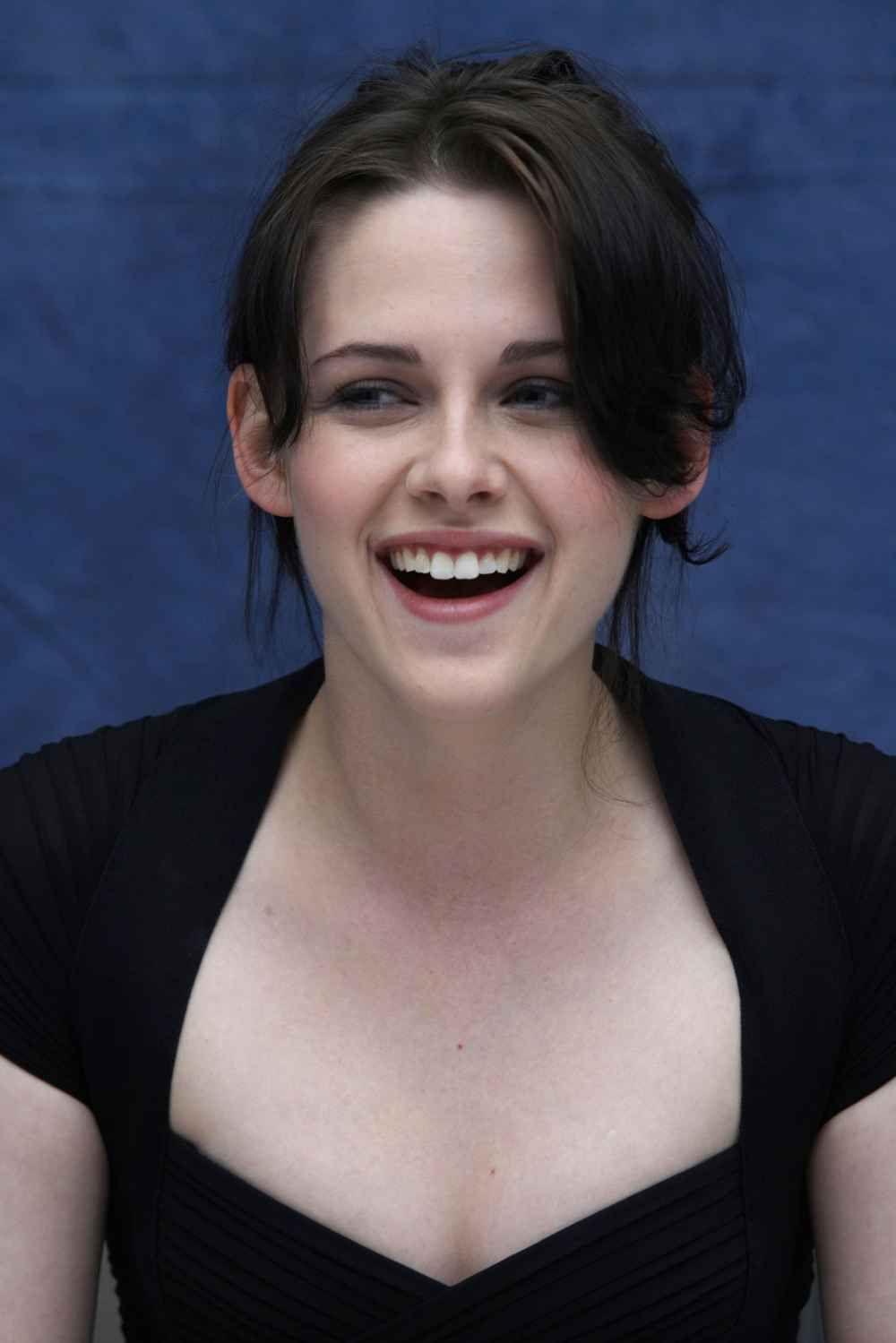 Matchless Kristen stewart teeth what