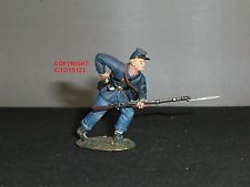 BRITAINS 31028 UNION INFANTRY STANDING REACHING FOR CARTRIDGE TOY SOLDIER FIGURE