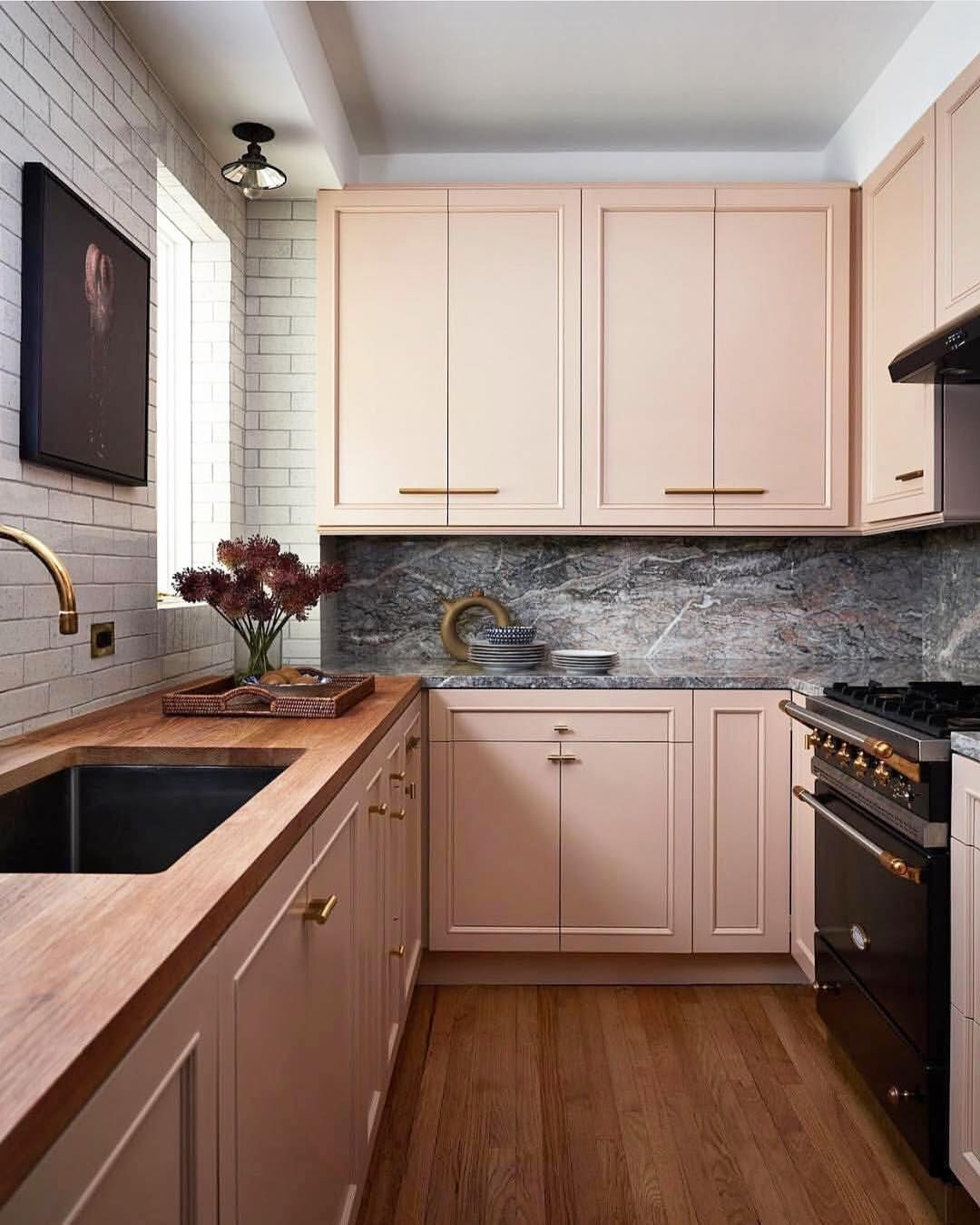Stunning Kitchen Dusty Rose Cabinets Top Kitchen Designs Interior Design Kitchen Kitchen Design Trends