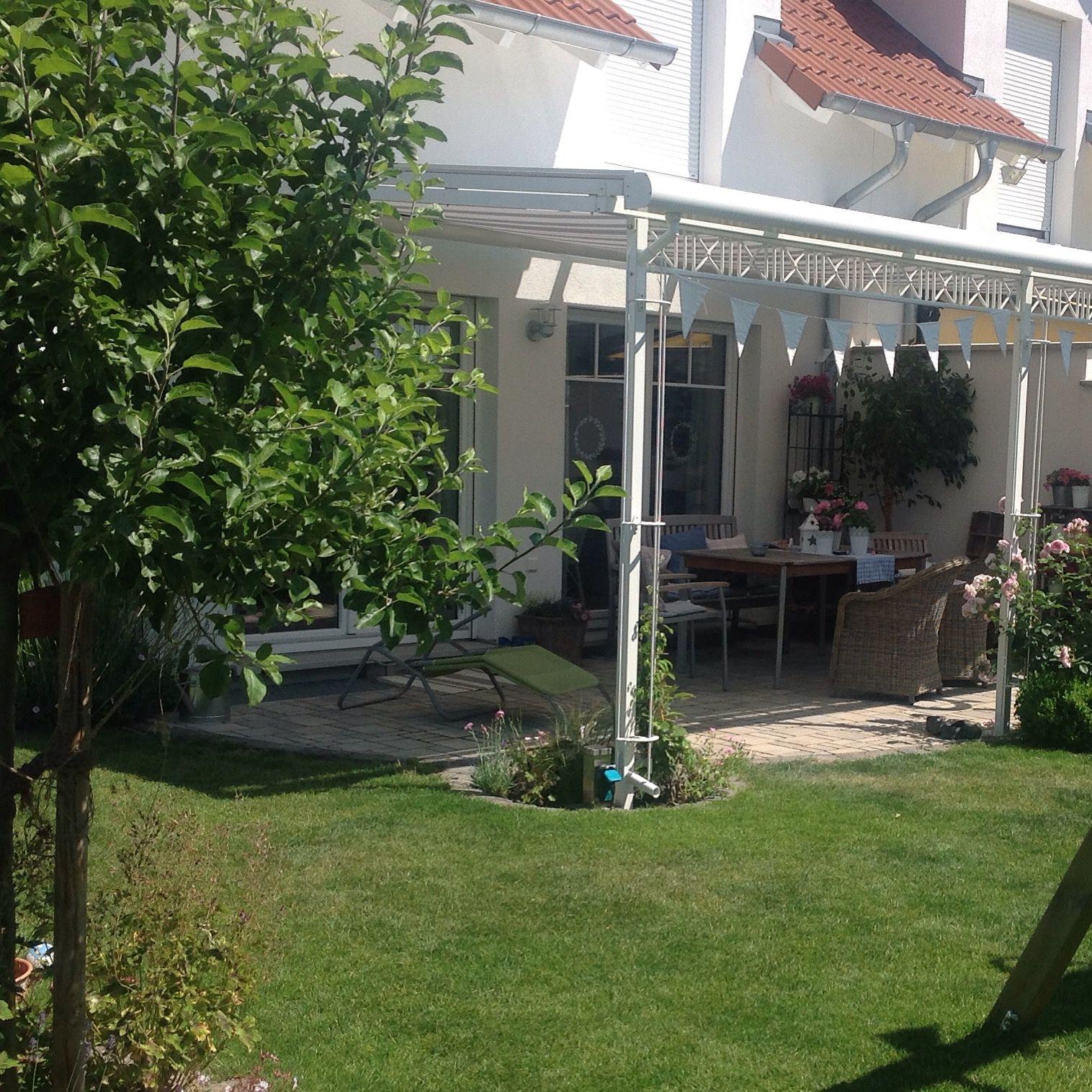 kleiner garten unserer doppelhaush lfte kleinergarten ganz gro unsere wundersch ne. Black Bedroom Furniture Sets. Home Design Ideas