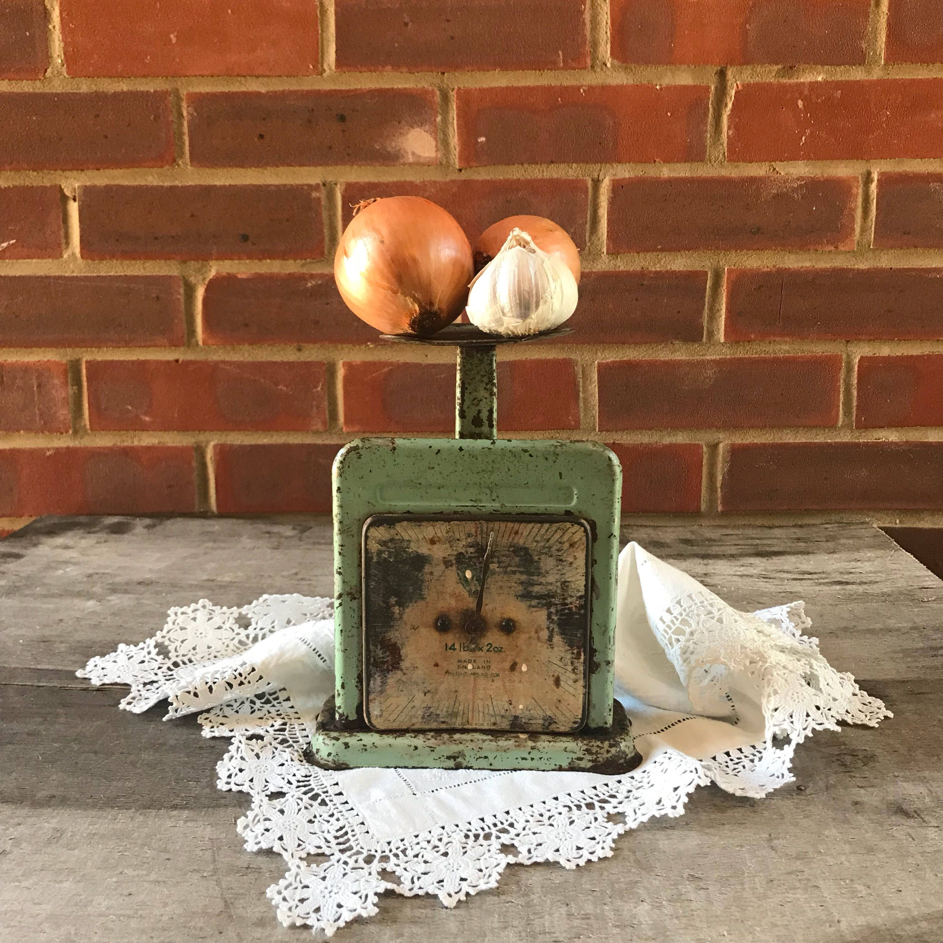 Antique Home Kitchen Scales Vintage Weigthing Green Rusty Retro Restaurant Decor Display England