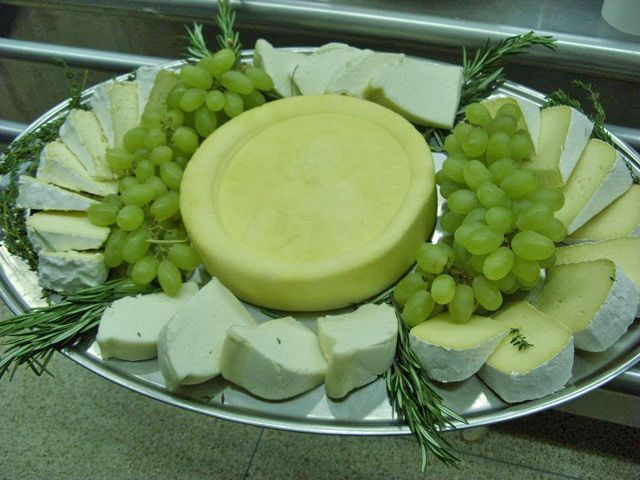 Cheesemaking Help, News and Information: Making 50 Medieval Cheeses - Kimetha Loidolt
