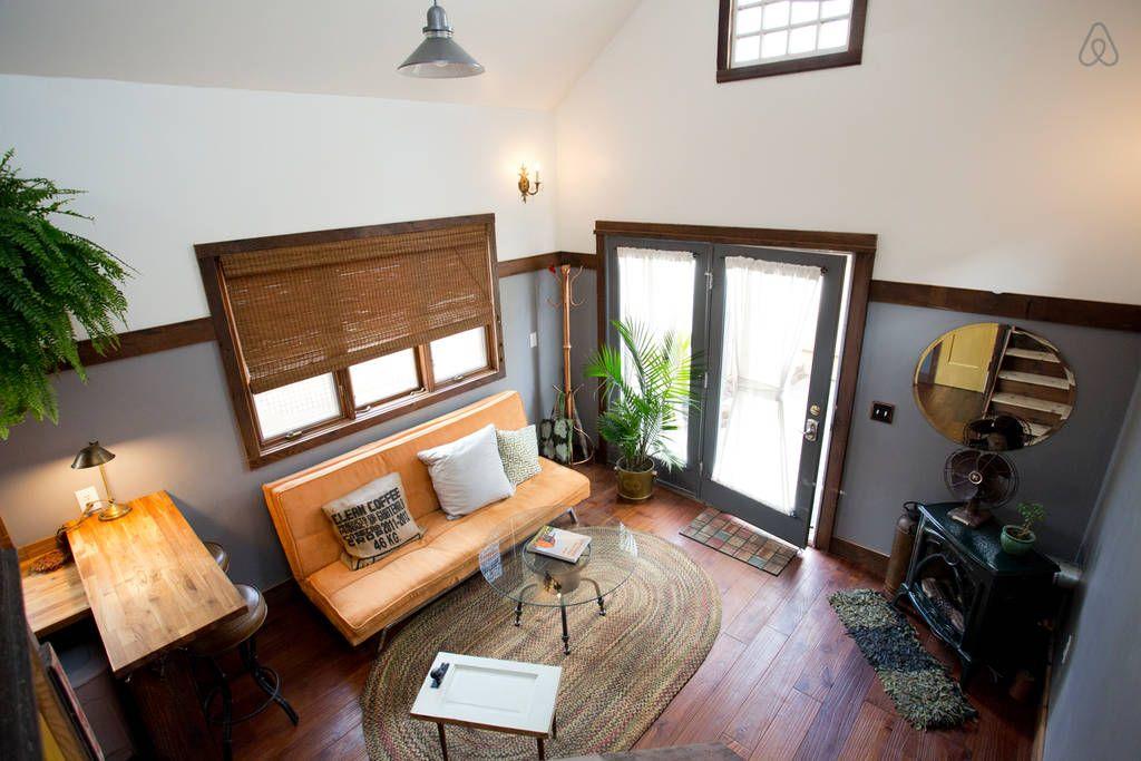 16 41 Vista Desde Las Estrellas Lamparas De Techo De Grises Eran En Realidad Las Luc Vivir En Casa Pequena Interiores De Casas Pequenas Casa Moderna Pequena
