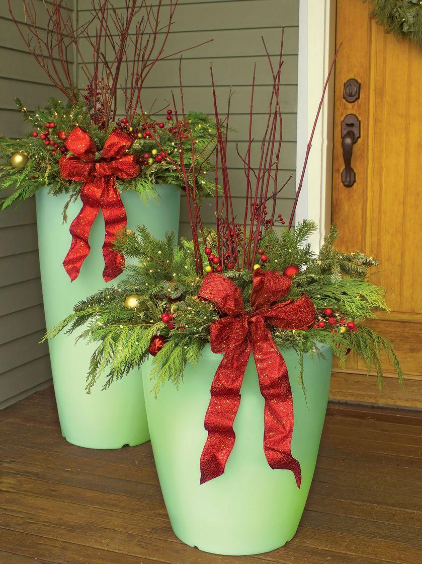 Solar Illuminated Planter, Medium Christmas planters