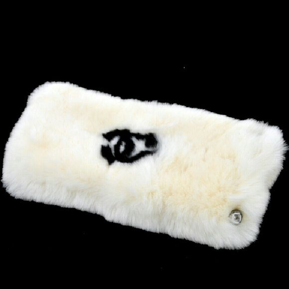 """Auth Vintage Logos Lapin Rabbit Bracelet BBG3515 """"It is 100% Authentic Item - Previously Owned but Good Condition,Please Check all the Photos!  Material: Lapin Rabbit Fur, Color : White*Black ,,Size (Inch)Inner circumference : 8.2 """"""""  Width : 4.3 """""""",,  No Trade."""" CHANEL Jewelry Bracelets"""