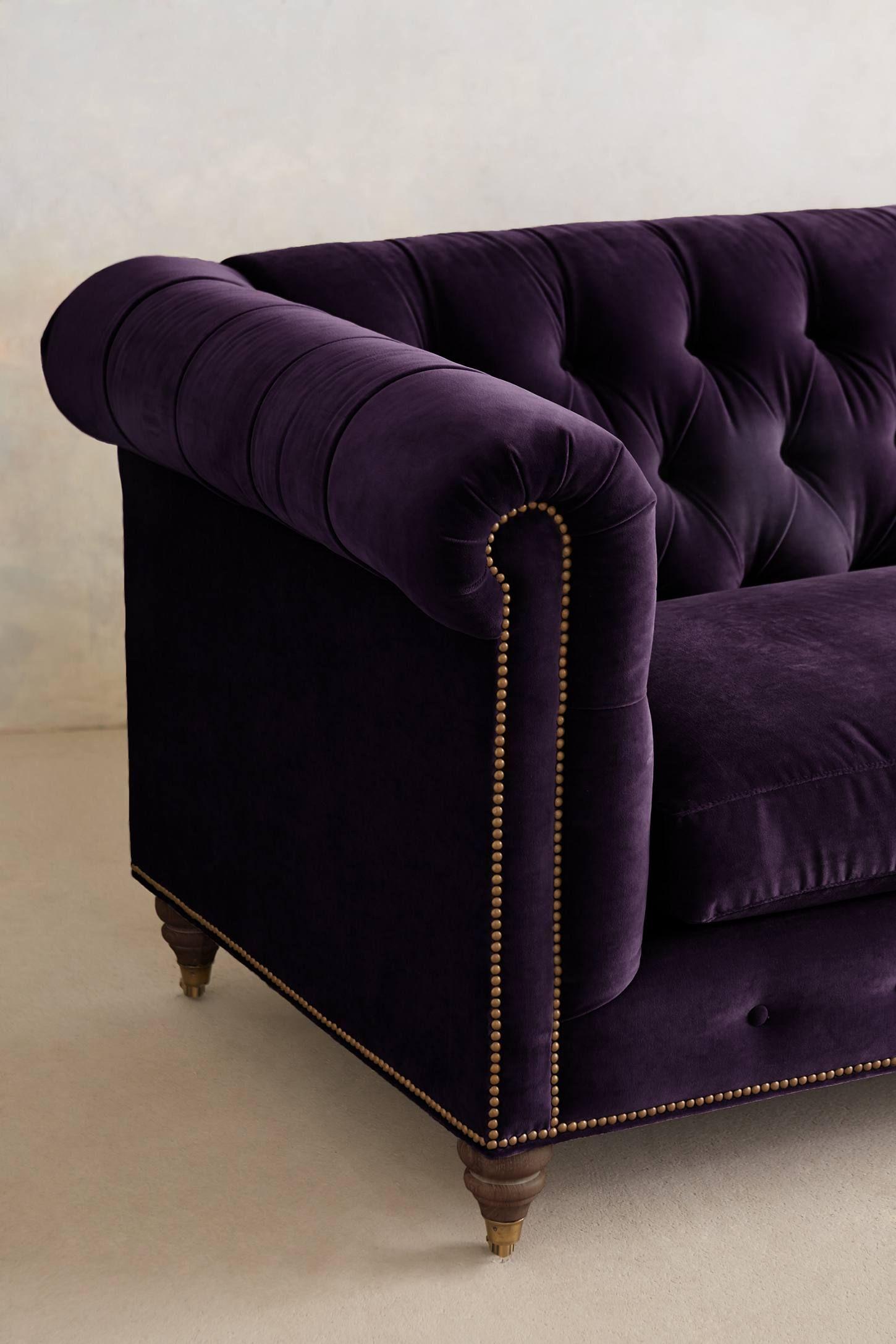 Velvet Lyre Chesterfield Sectional, Hickory Diseño de