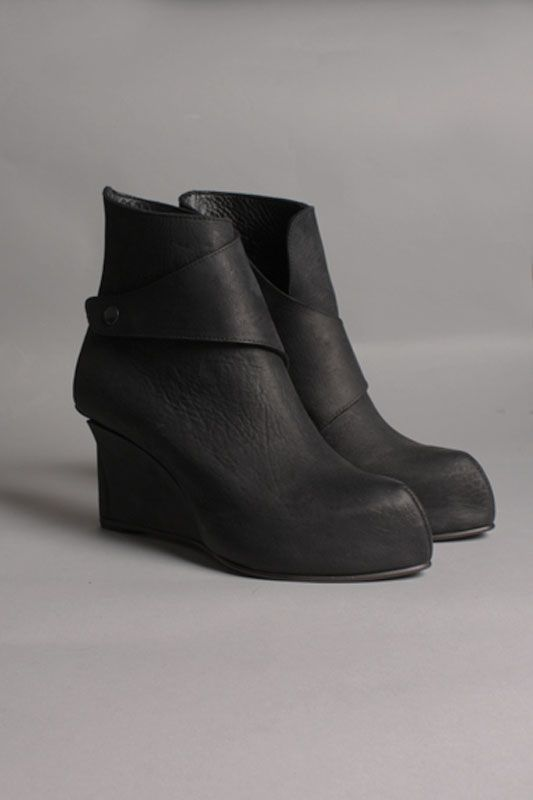 GORAN HORAL LOW WEDGE ANKLE BOOT - Eizenstein | it is that BLACK ...