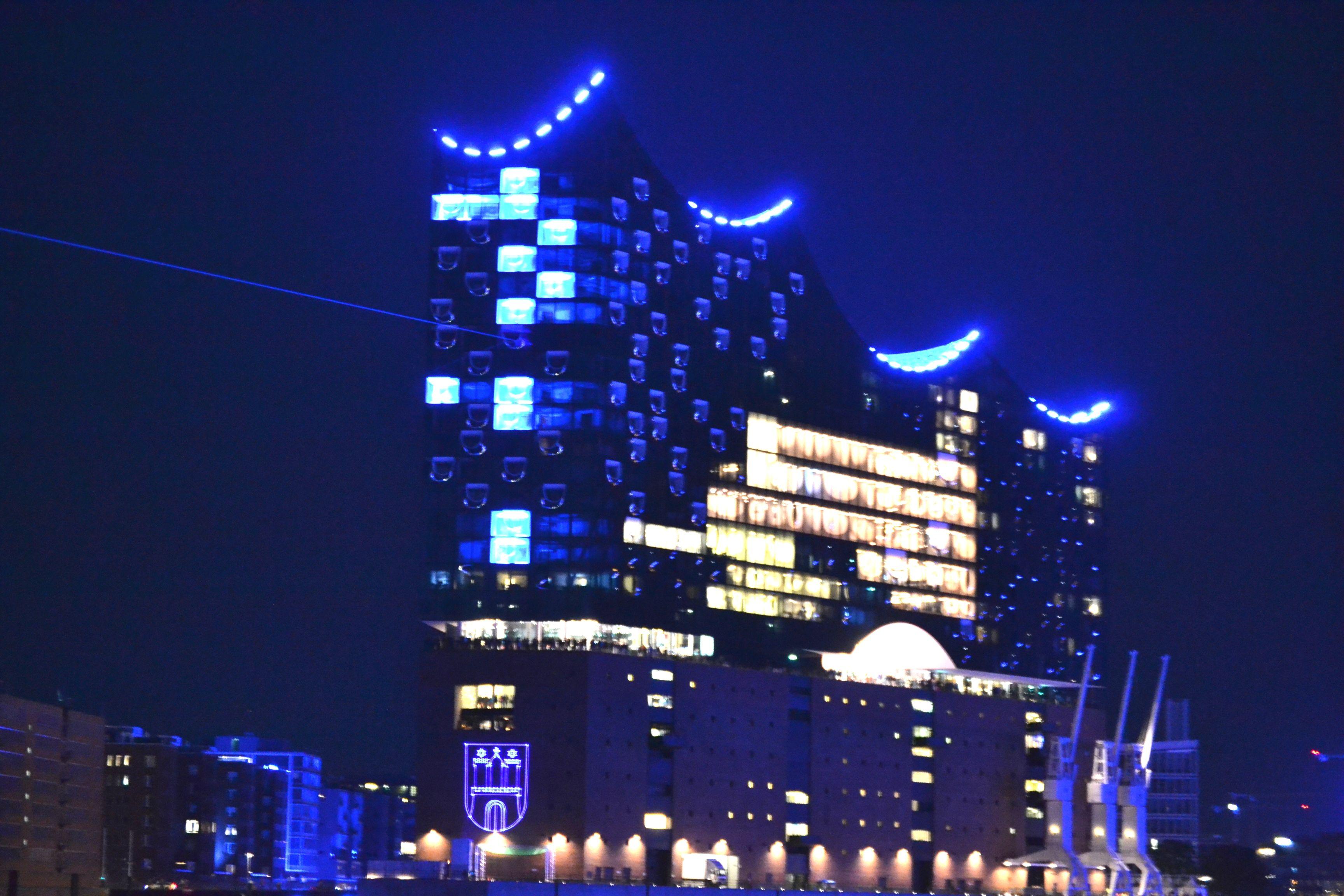 Elbphilharmonie Fuhrung Auf Der Plaza Hamburg Sehenswurdigkeiten Hamburg Containerterminal