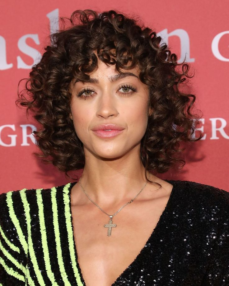 21 Curly Bangs Hairstyle Ideas Seen On Celebs Who Refuse To Quot Tame The Mane Quot In 2020 Curly Hair