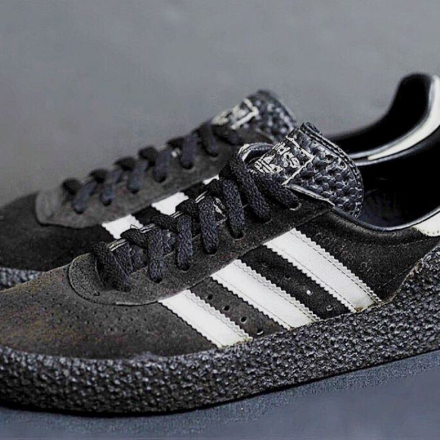 huge discount 6786c 76b18 Striped Mens Leather Sneakers. In search of more info on sneakers In that  case