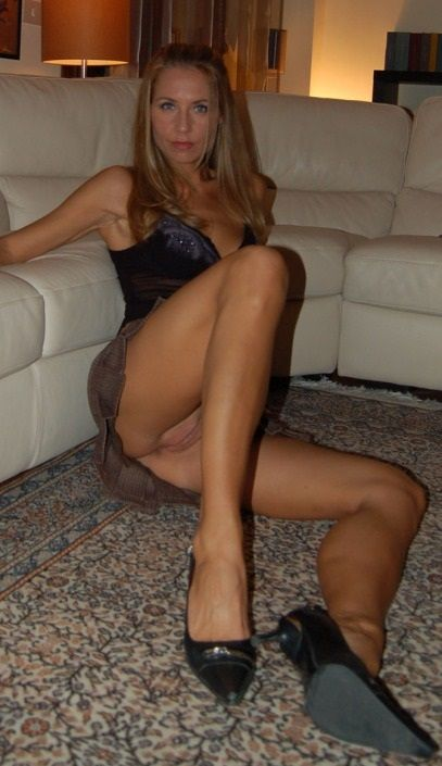 milf, mature, cougar, mom, wife, sexy, slut, whore, selfie, blonde