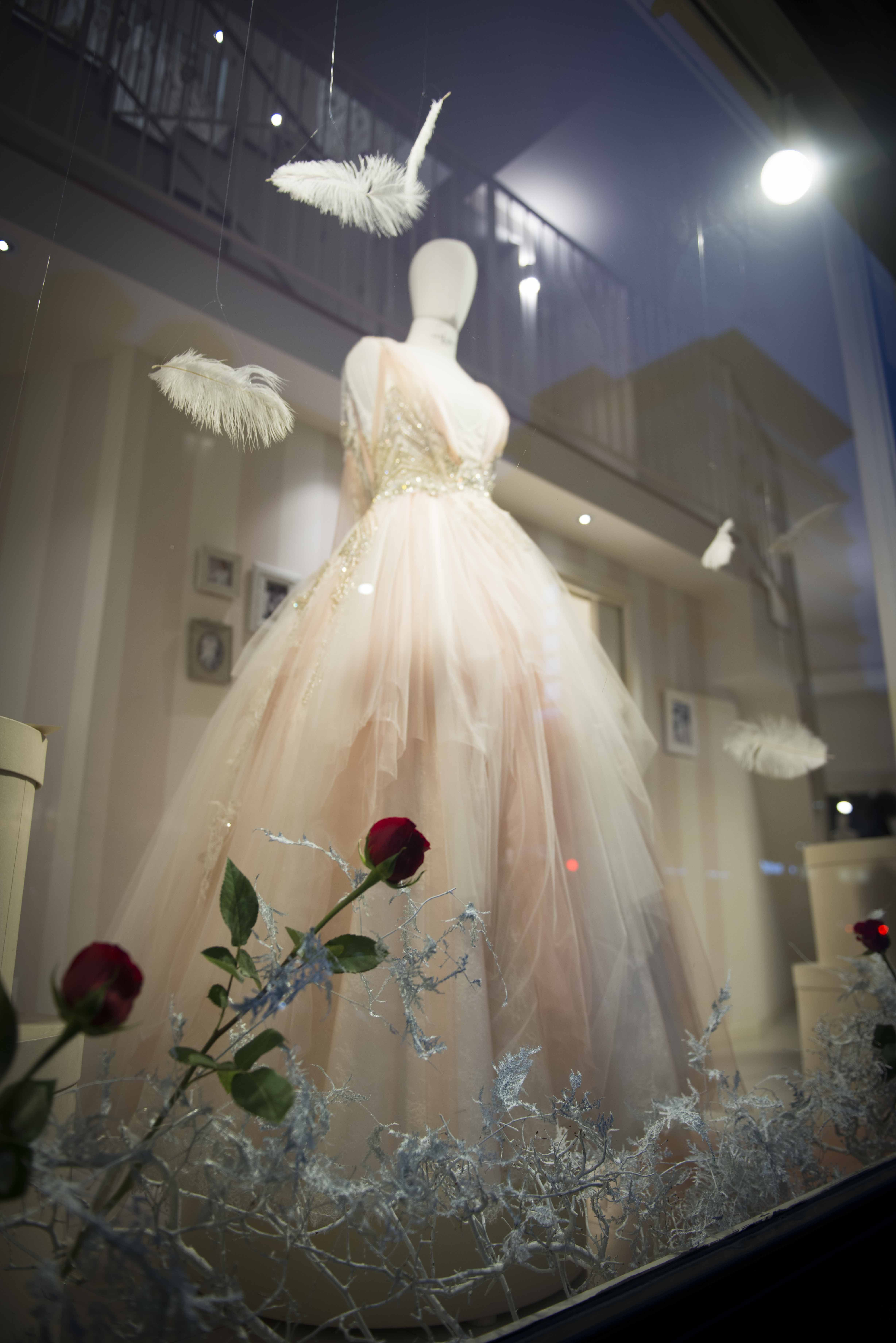 Royal themed wedding dresses  Pin by Save the Date on A Winter Garden  La nostra vetrina Le
