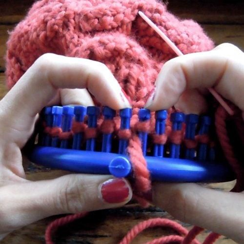 How to Bind Off on a Knitting Loom