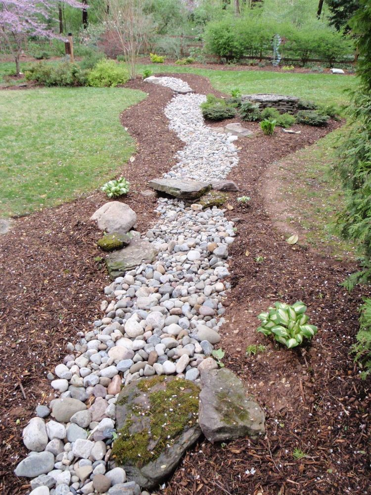 25 Gorgeous Dry Creek Bed Design Ideas