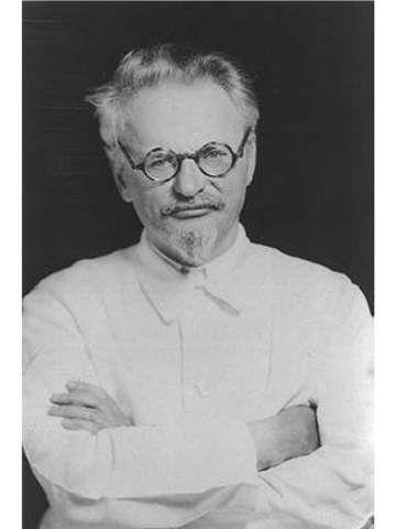 Lev Davidovich Bronstein (Leon Trotsky)