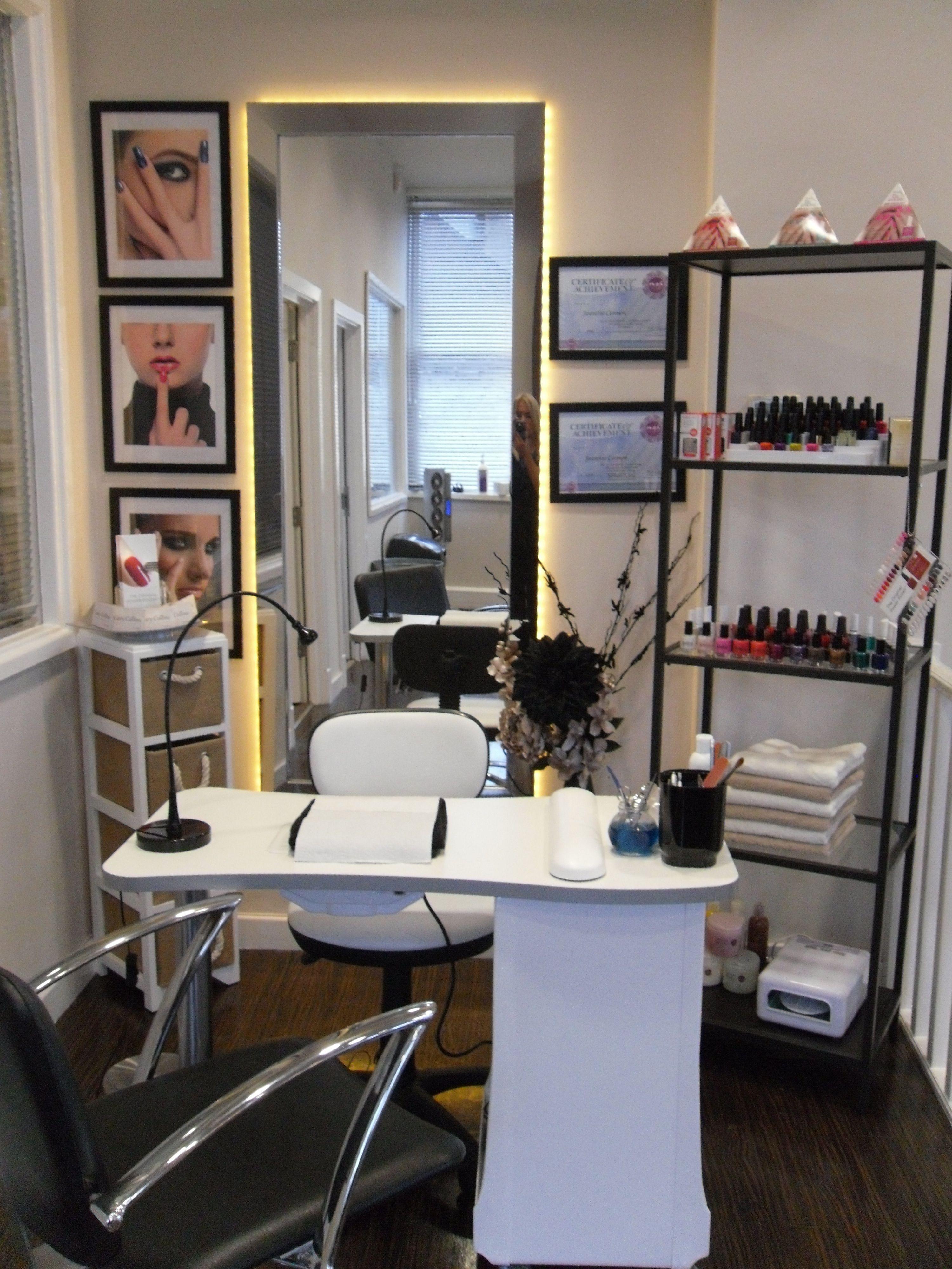 Imagen relacionada   Salon de uñas, Sala de uñas ...