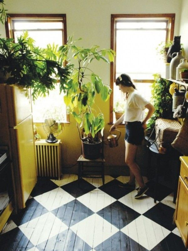 swoon checkered floors and houseplants!