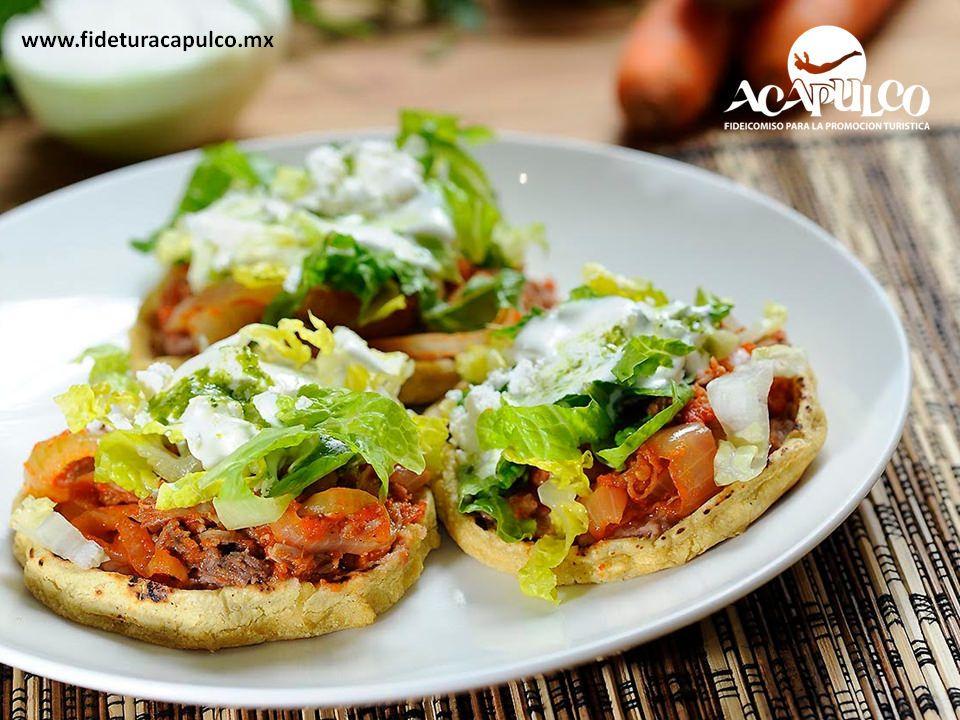 https://flic.kr/p/Re8DXj | En el restaurante Don Beto de Acapulco encontrarás deliciosos antojitos. GASTRONOMÍA DE MÉXICO 1 | #gastronomiademexico En el restaurante Don Beto de Acapulco encontrarás deliciosos antojitos. GASTRONOMÍA DE MÉXICO. Los sopes son un delicioso antojito mexicano que se sirve con frijoles, queso, salsa y verduras como cebolla y lechuga, aunque también se les puede agregar guisados, como los que encontrarás en Don Beto de Acapulco. Visita la página oficial de Fidetur…