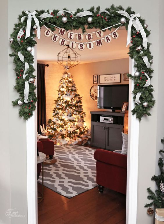 Holiday Home Decor with Shutterfly | FYNES DESIGNS #smallapartmentchristmasdecor