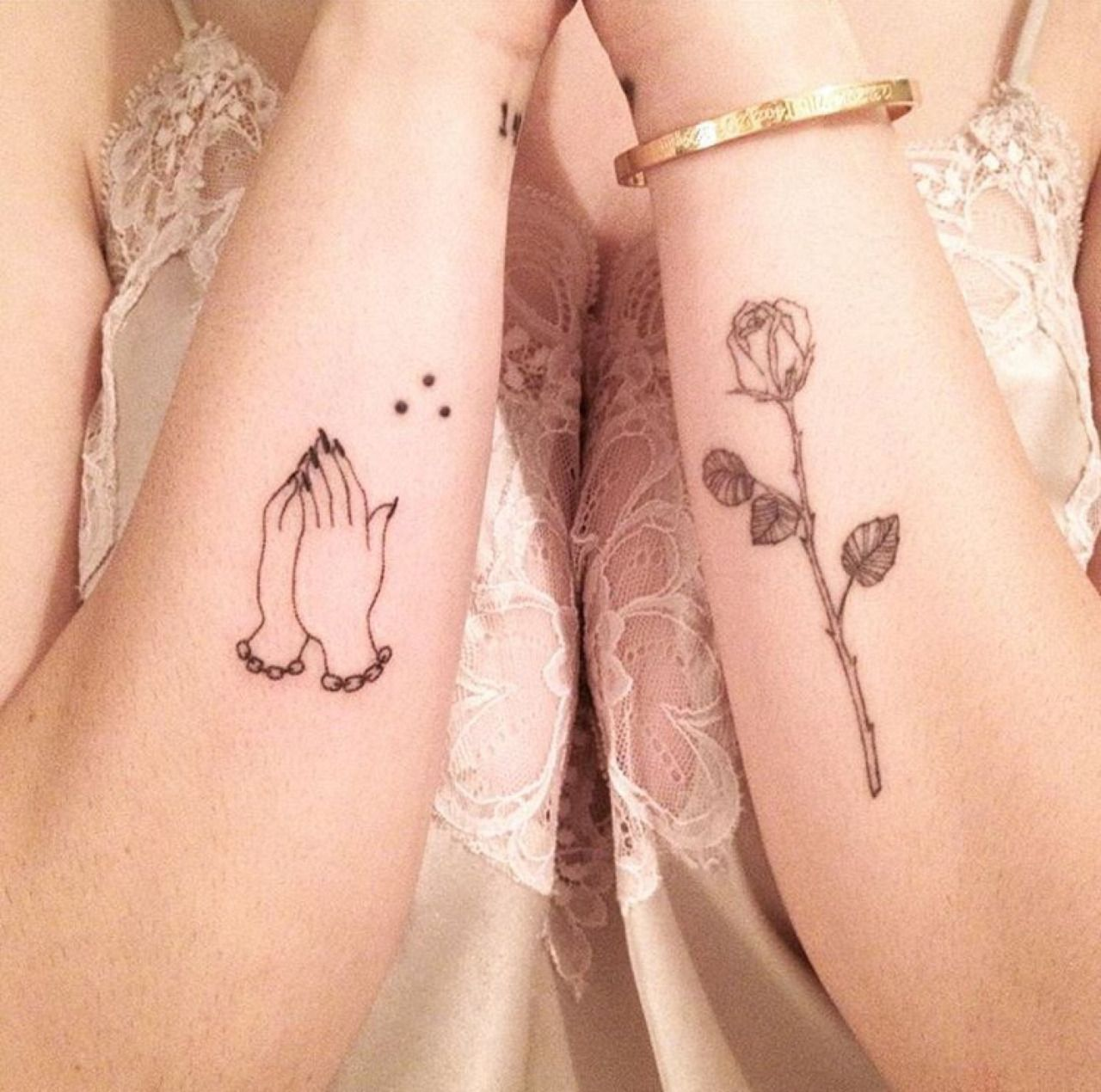 Stick And Poke Tumblr Hand Tattoos Small Hand Tattoos Prayer Hands Tattoo